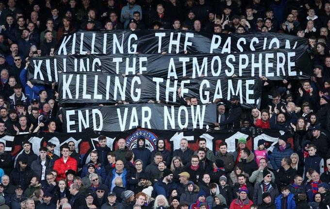 ¿Por qué los fanáticos de la Premier League ya no quieren el VAR?
