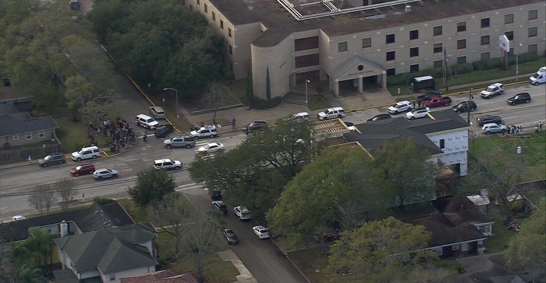 Se registra tiroteo en una preparatoria de Bellaire, en Texas