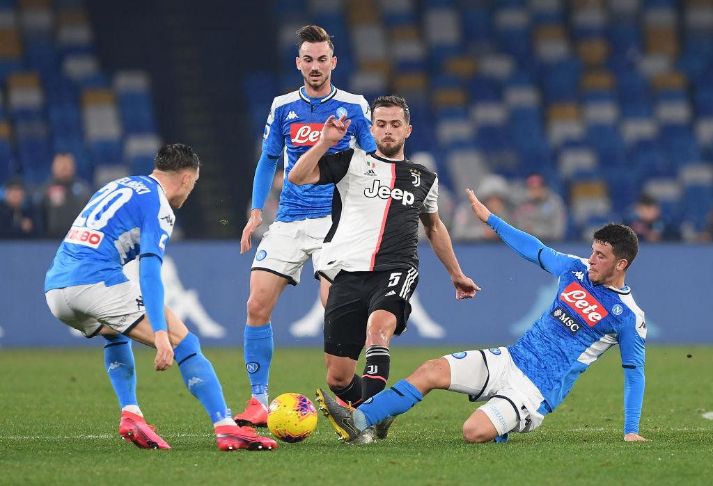 ¡Al centro no! Napoli derrotó a la Juventus tras error en el rechace de Szczesny