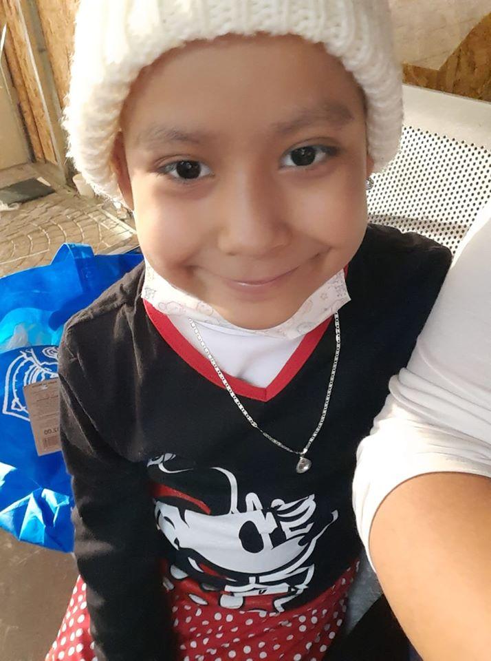 Conmovedor: Niños venden comida para ayudar a su amiga a pagar quimioterapias