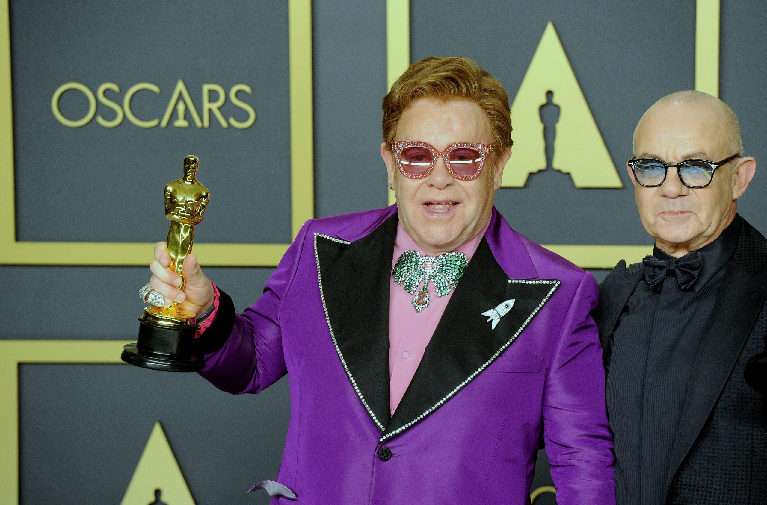 Elton John no pudo terminar concierto en Nueva Zelanda por neumonía