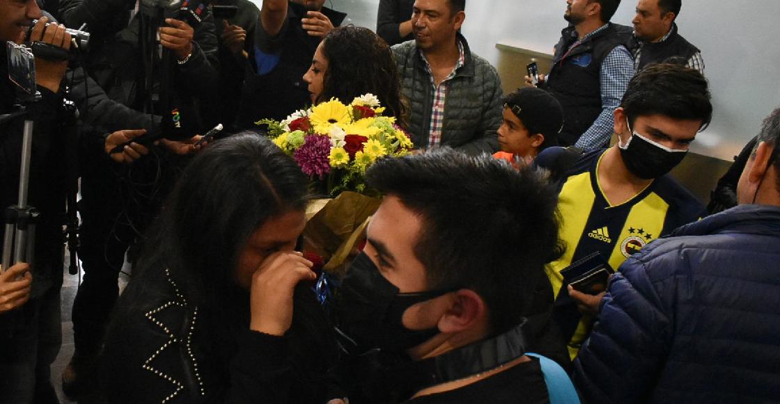 Llegaron a México 18 estudiantes que estaban en China