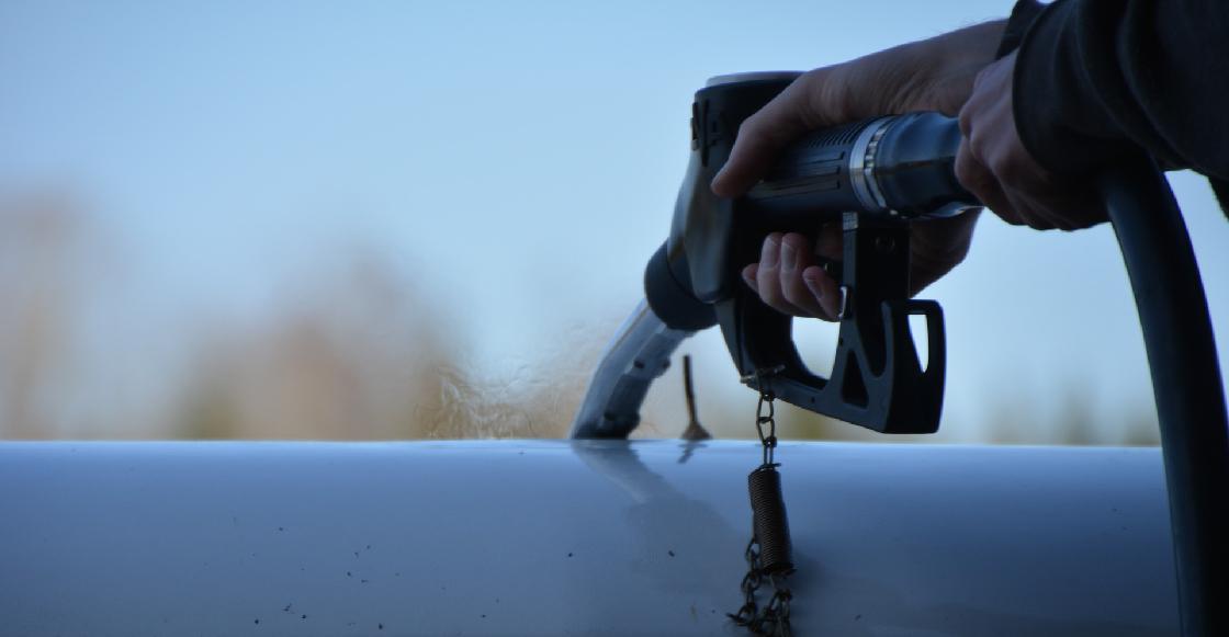 Mexicano desarrolla un procedimiento para hacer gasolina con basura