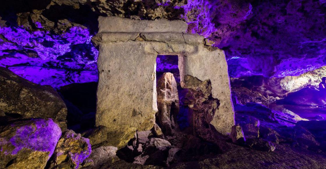 Descubren y resguardan un posible Altar Maya en un cenote de Playa del Carmen