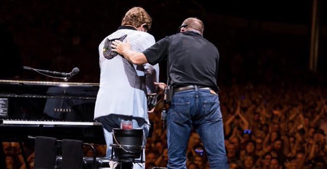 Por neumonía y entre lágrimas, Elton John abandonó concierto en Nueva Zelanda