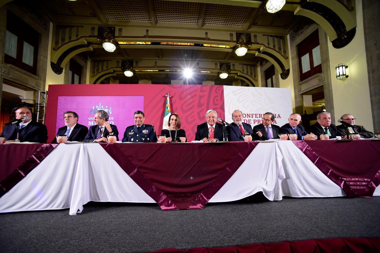 Presidencia asegura que no hay lista de empresarios que asistió a tamaliza en Palacio Nacional