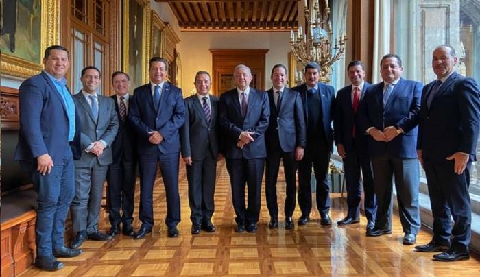 Gobernadores del PAN y AMLO