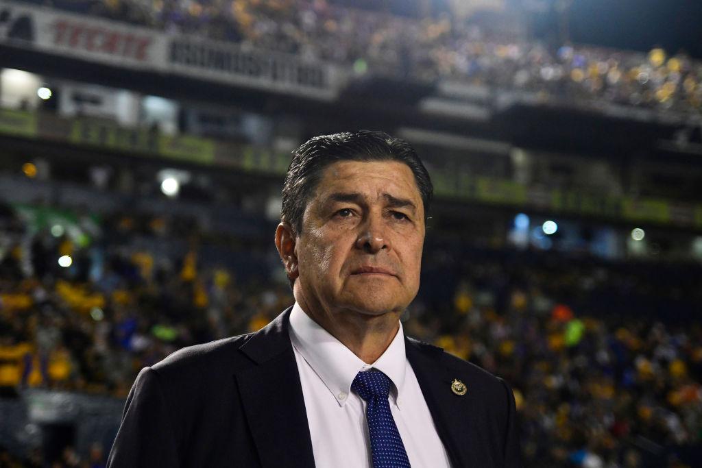 ¿Adiós Chiva-lácticas? Luis Fernando Tena obligado a ganarle a Cruz Azul o se iría