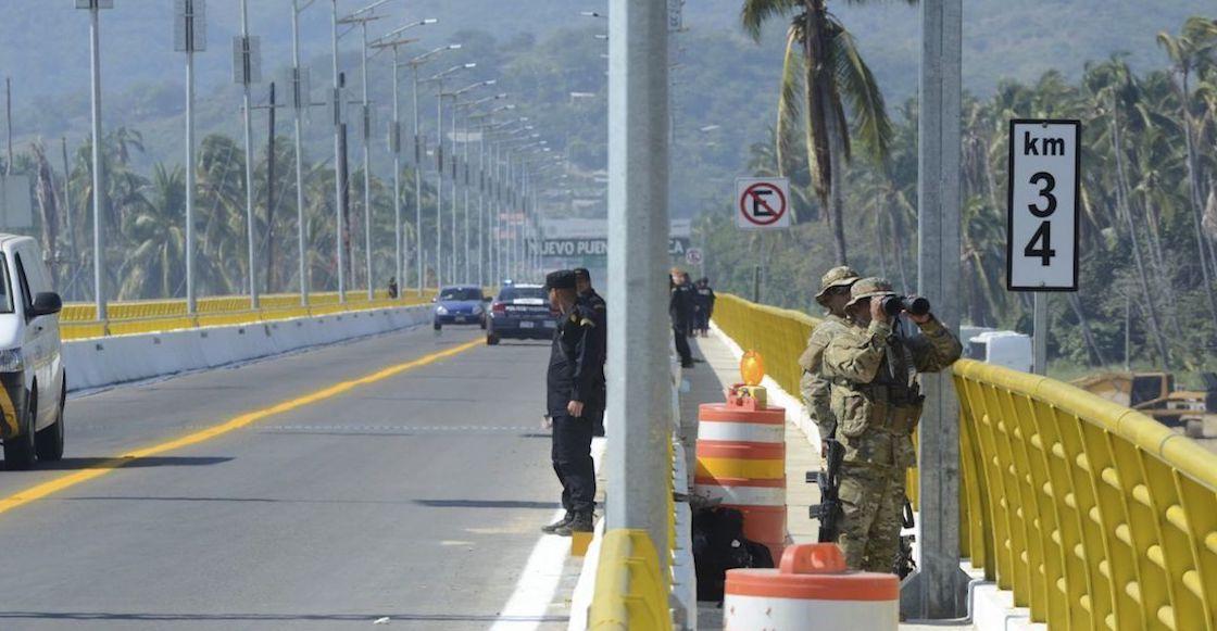 Hallan cadáveres de dos menores en vehículo — Guerrero
