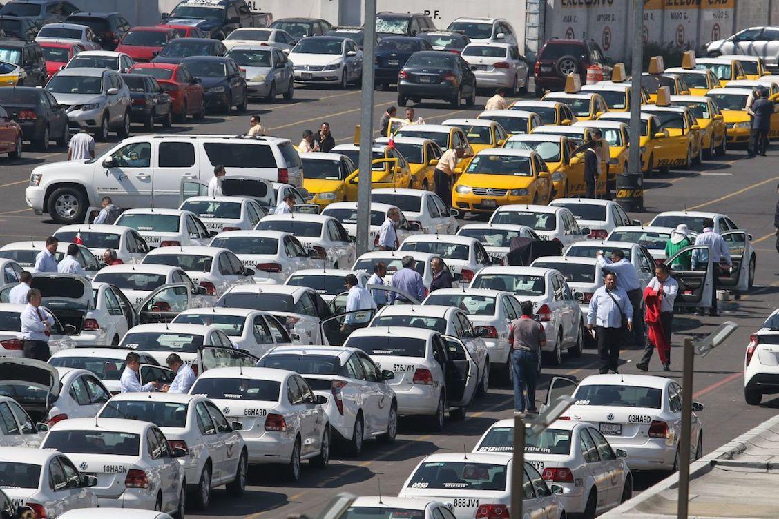 taxistas-aicm-pelea-denuncia