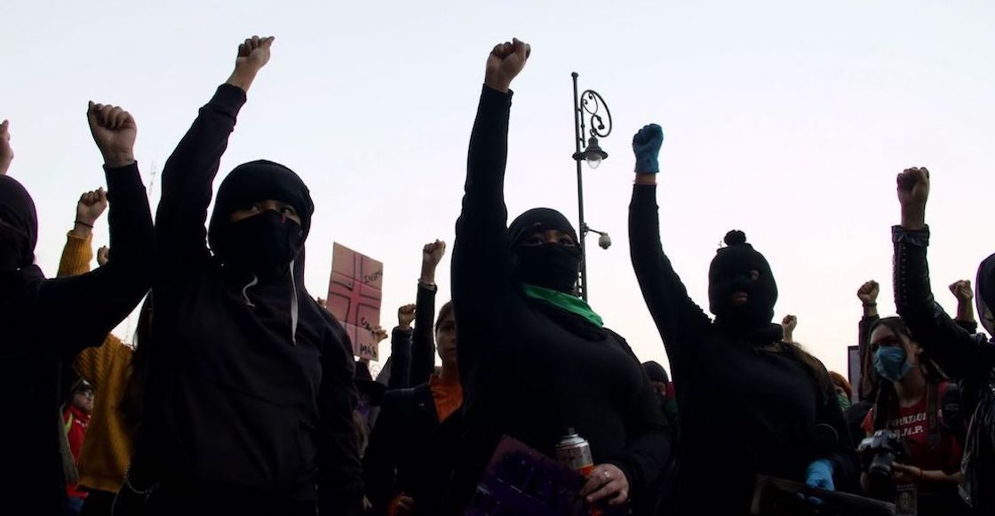 protesta-feminicidios-disculpas-publicas-amlo-medios
