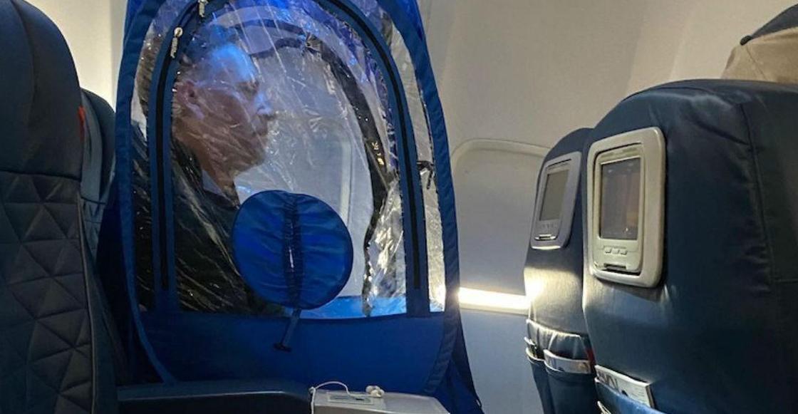 Ideas brgs: Hombre viaja adentro de una funda de plástico para no contagiarse de Coronavirus