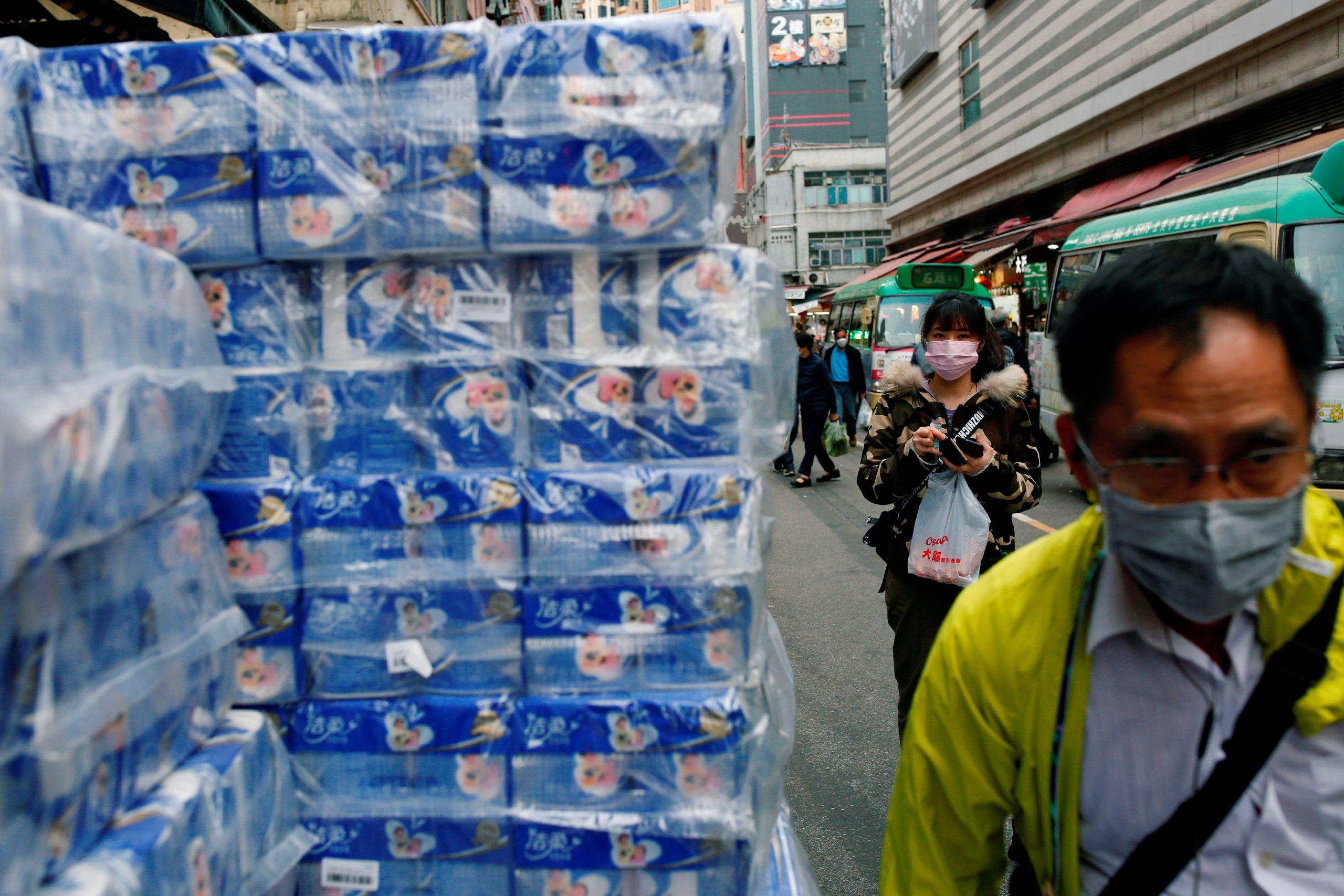 El robo del siglo: Sujetos se llevan 600 rollos de papel higiénico en Hong Kong