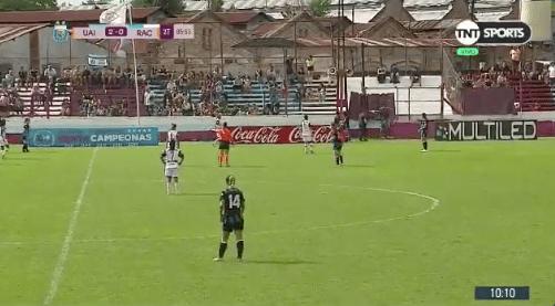 Aquí se respeta: Árbitra corrió del estadio a un fanático que ofendía a las jugadoras