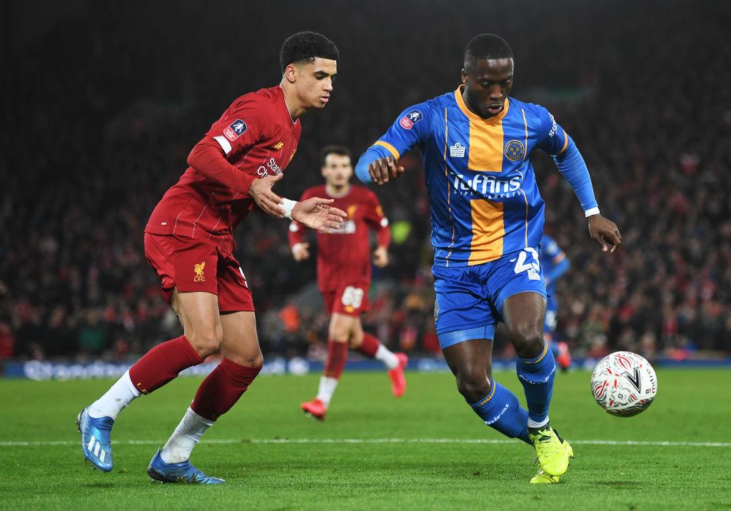 Con suplentes y un autogol, Liverpool avanzó a la quinta ronda de la FA Cup