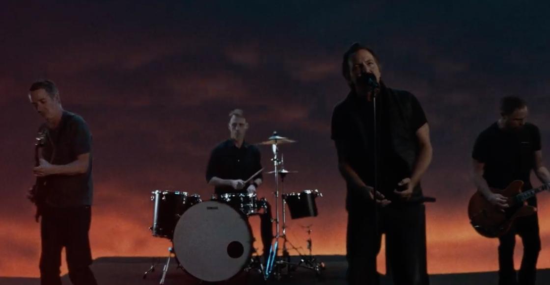 ¡Pearl Jam estrena un nuevo e impactante video para