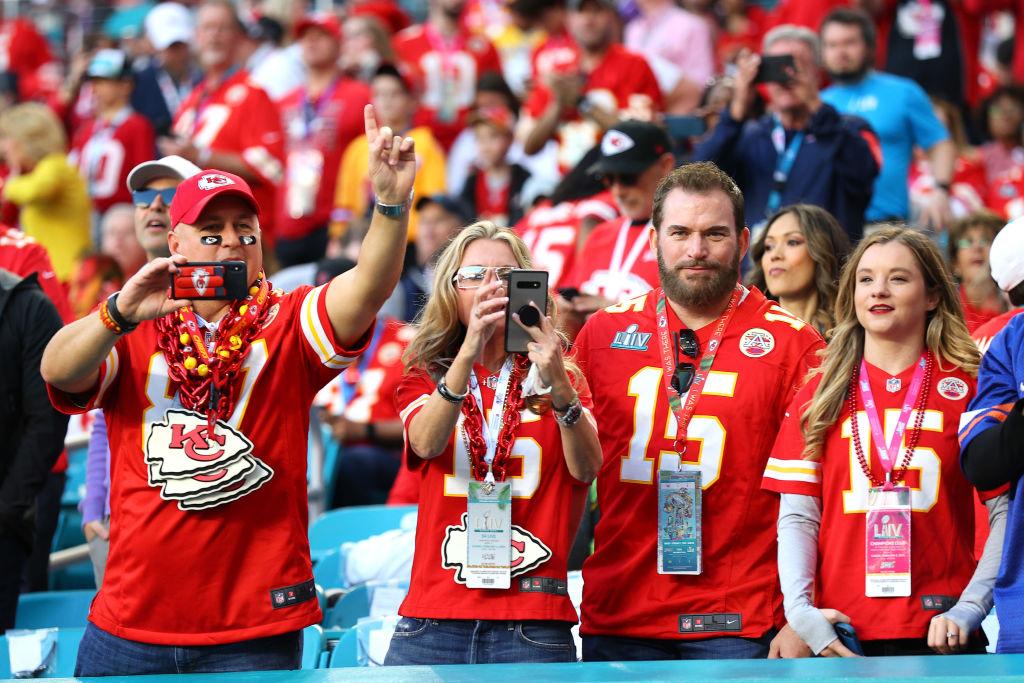 En imágenes y videos: Así vivió la afición la magia del Super Bowl LIV