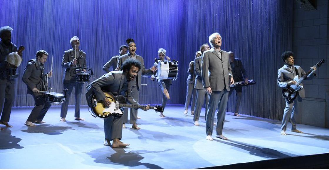 David Byrne volvió a presentarse en SNL tras más de 30 años