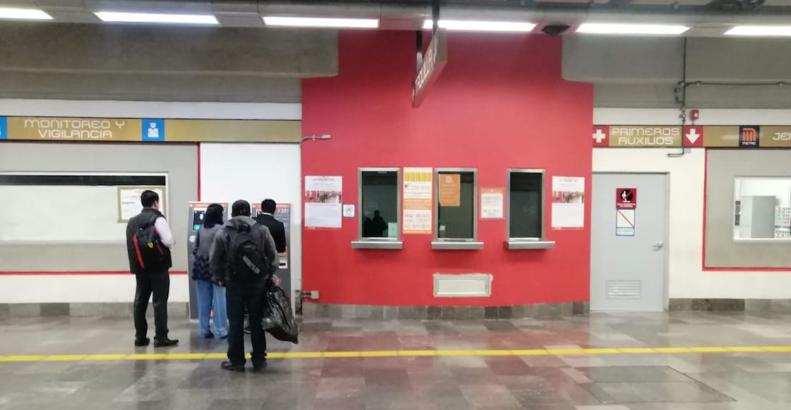 taquillas-metro-cerradas-paro-mujeres