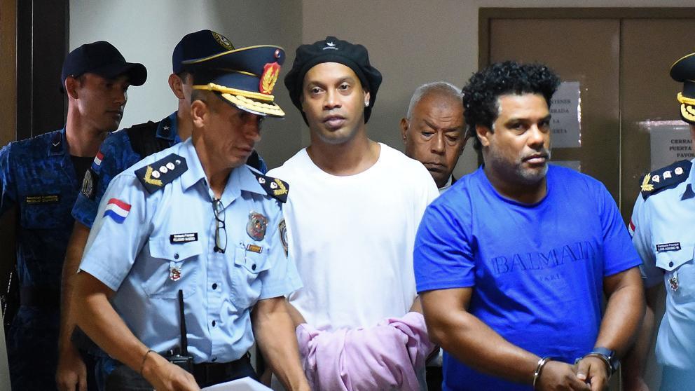 """""""Les tendieron una trampa"""": La supuesta 'verdad' sobre el caso de Ronaldinho"""