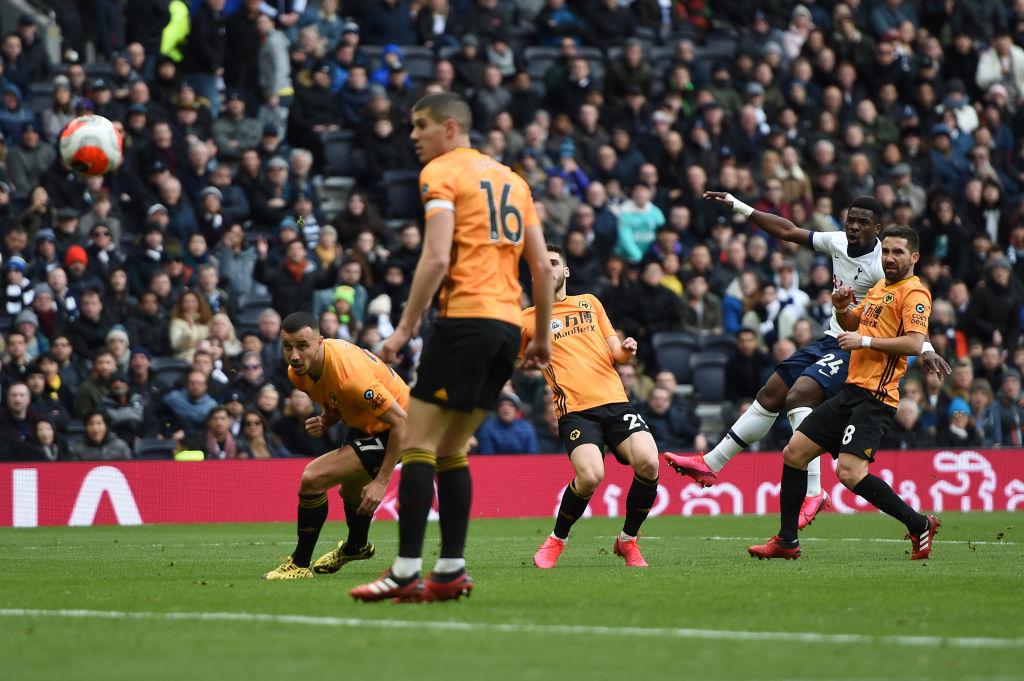 Tottenham se pone a 2 puntos de Champions League tras vencer a los Wolves