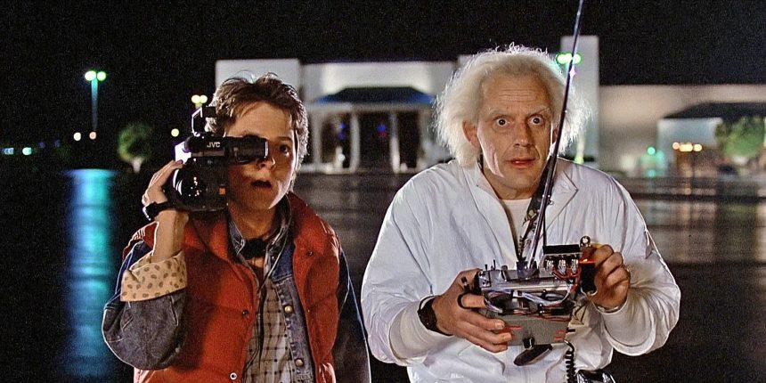 """¡Justo en la nostalgia! Marty McFly y el Dr. Brown de """"Volver al futuro"""" se reúnen después de 35 años"""