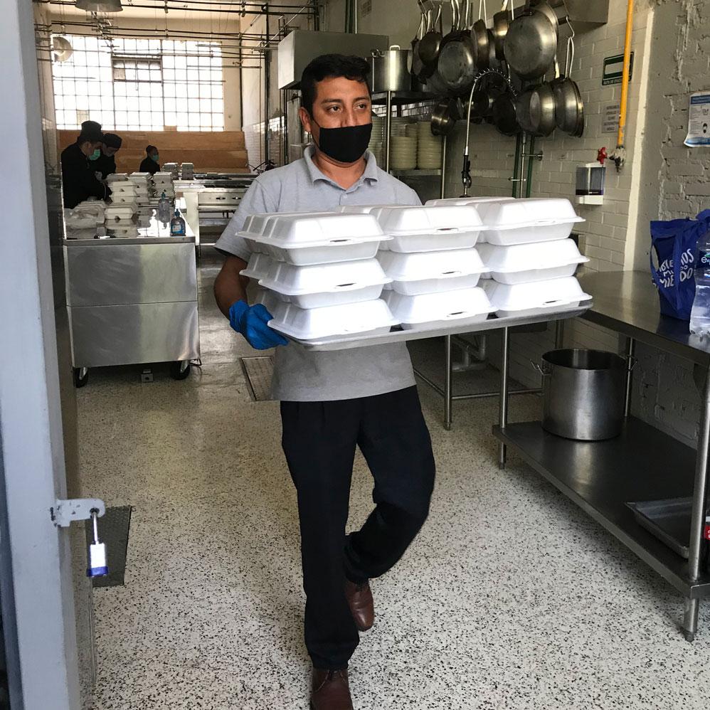 Comidas Solidarias es un proyecto impulsado por Gastromotiva Mexico, Agroecológica Xochimilco y Por Un Hogar