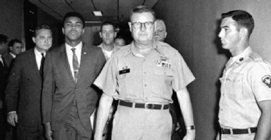 La historia del día en que Muhammad Ali rechazó al ejército