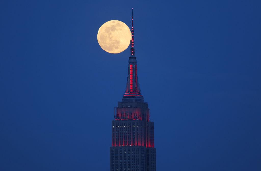 La superluna rosa es la más grande que veremos en el 2020