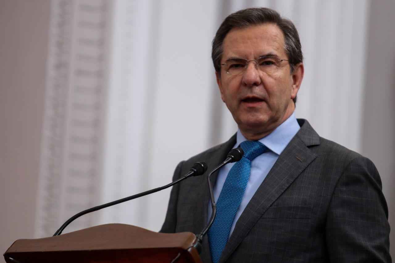 Baia baia: La SEP adjudica contrato millonario a empresa de Ricardo Salinas Pliego luego de un mal momento financiero