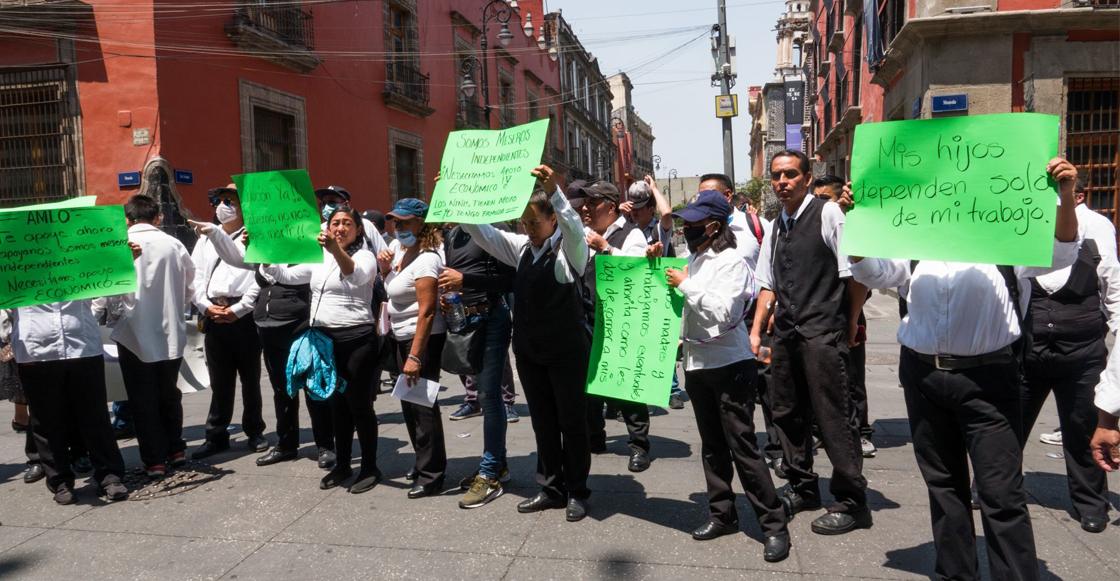 meseros-protesta-palacio-nacional