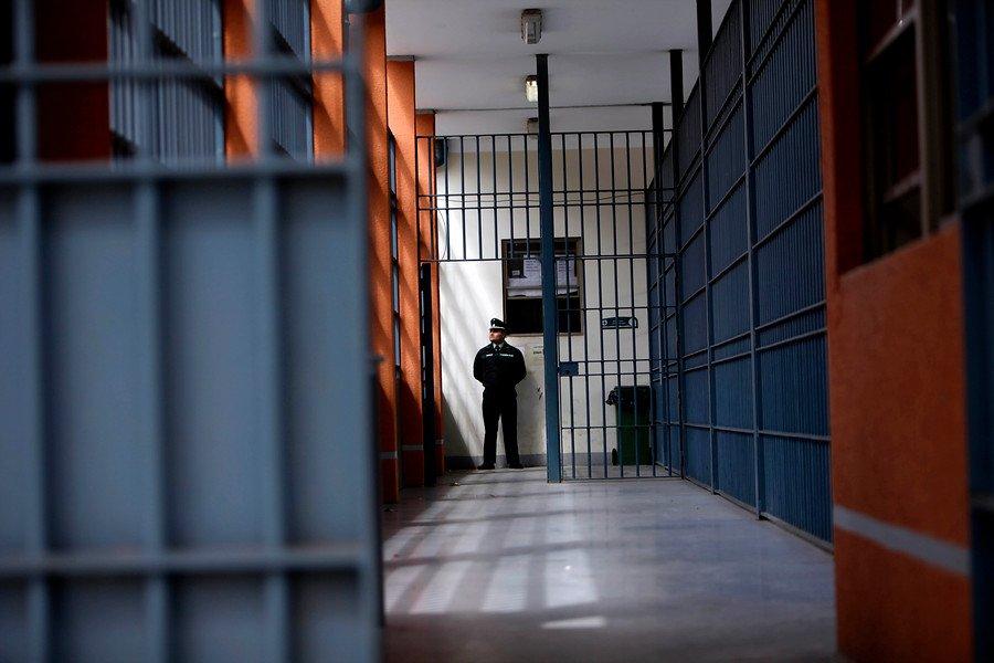 La polémica ley que impulsó Chile para enviar a presos a su casa