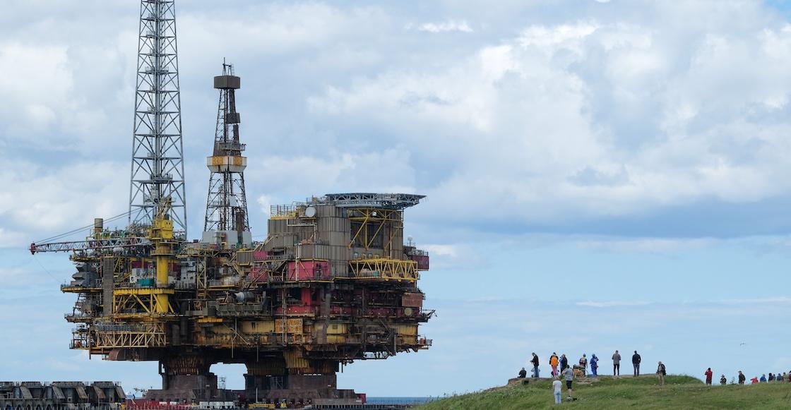 petroleo-bolitas-palitos-ejemplo-precio-caida-desplome-barril-crudo-razones-como-afecta-mexico