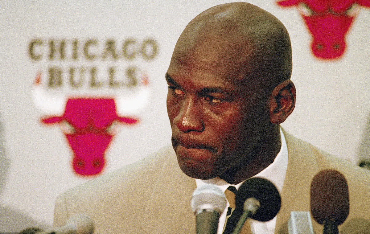 Conferencia de prensa primer retiro de Michael Jordan