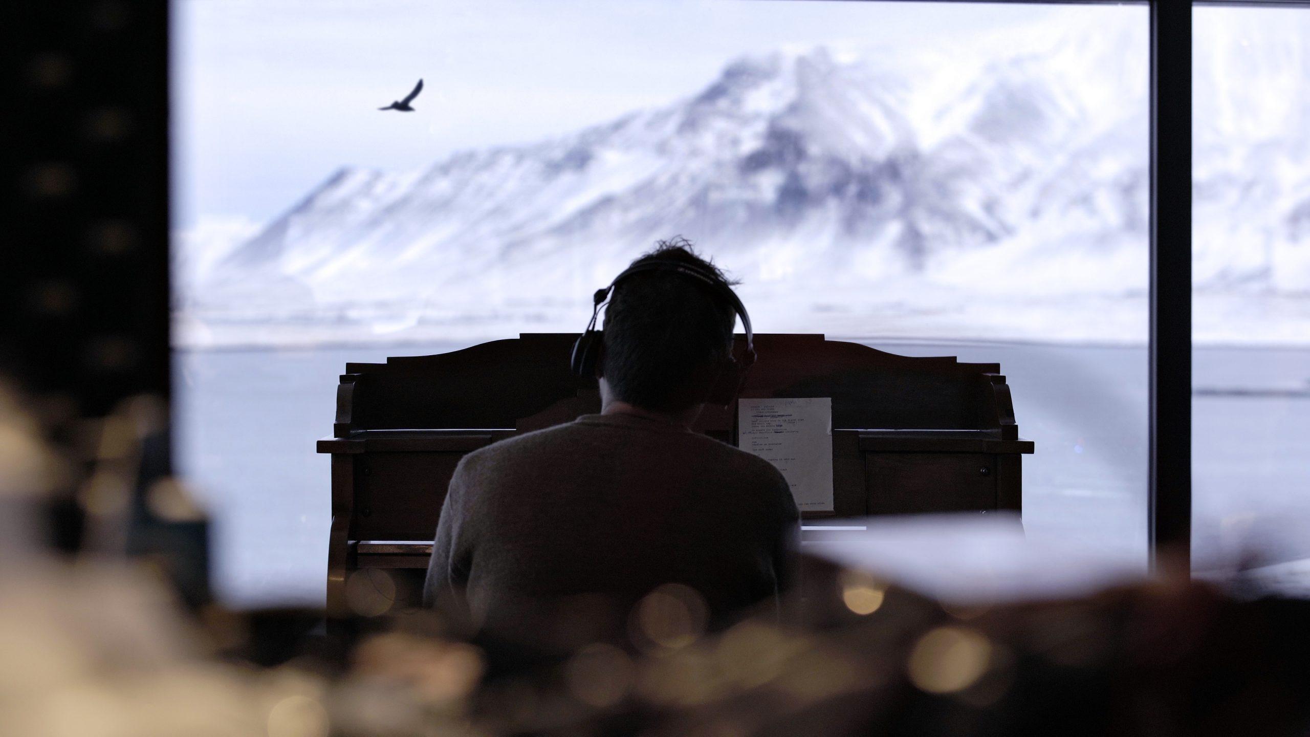 TheNearer the Fountain, More Pure the Stream Flows es el nuevo proyecto musical de Damon Albarn inspirado en los paisajes de Islandia