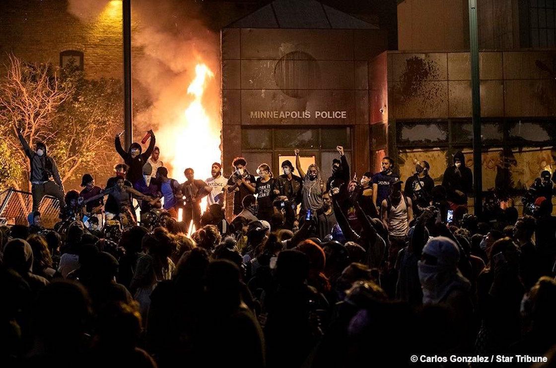 fotos-videos-imagenes-estacion-policia-minneapolis-protestas-george-floyd-04