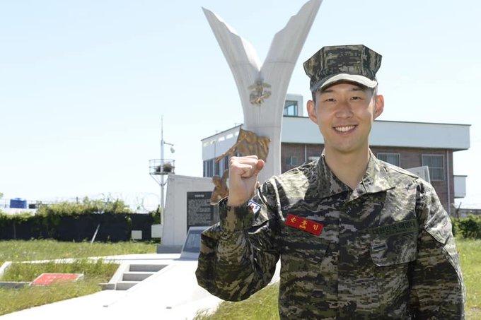 Heung Min Son libera con honores el servicio militar en Corea del Sur
