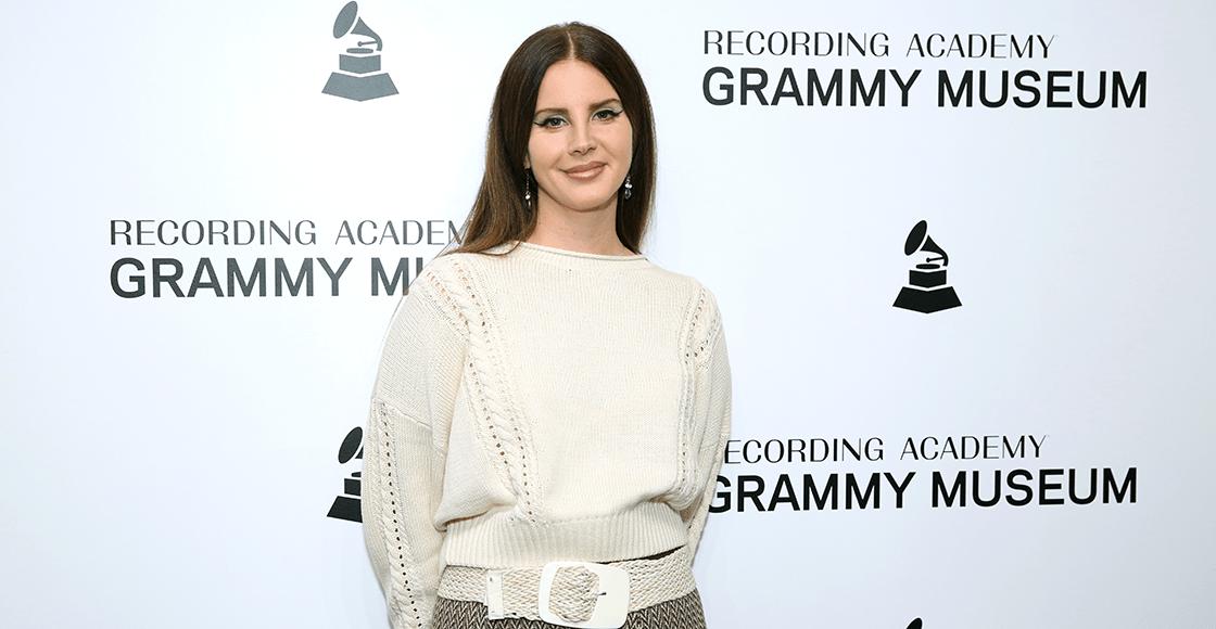 Lana Del Rey le tira a la industria musical por acusarla de 'embellecer el abuso' thumbnail