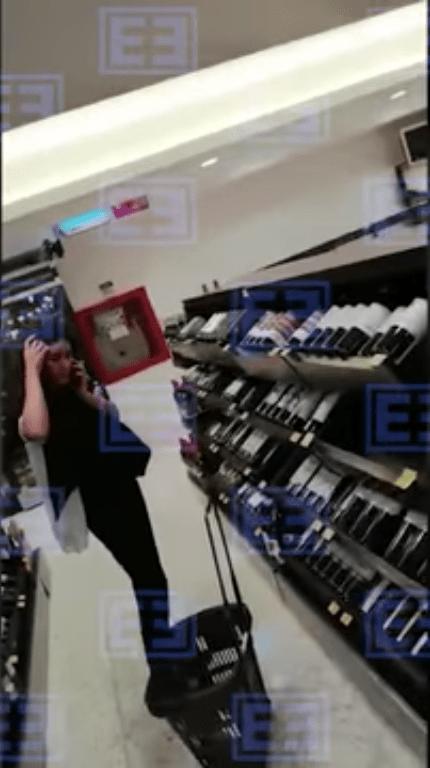 Poniendo el ejemplo: Captan a secretaria del Trabajo en supermercado de la CDMX y sin usar cubrebocas