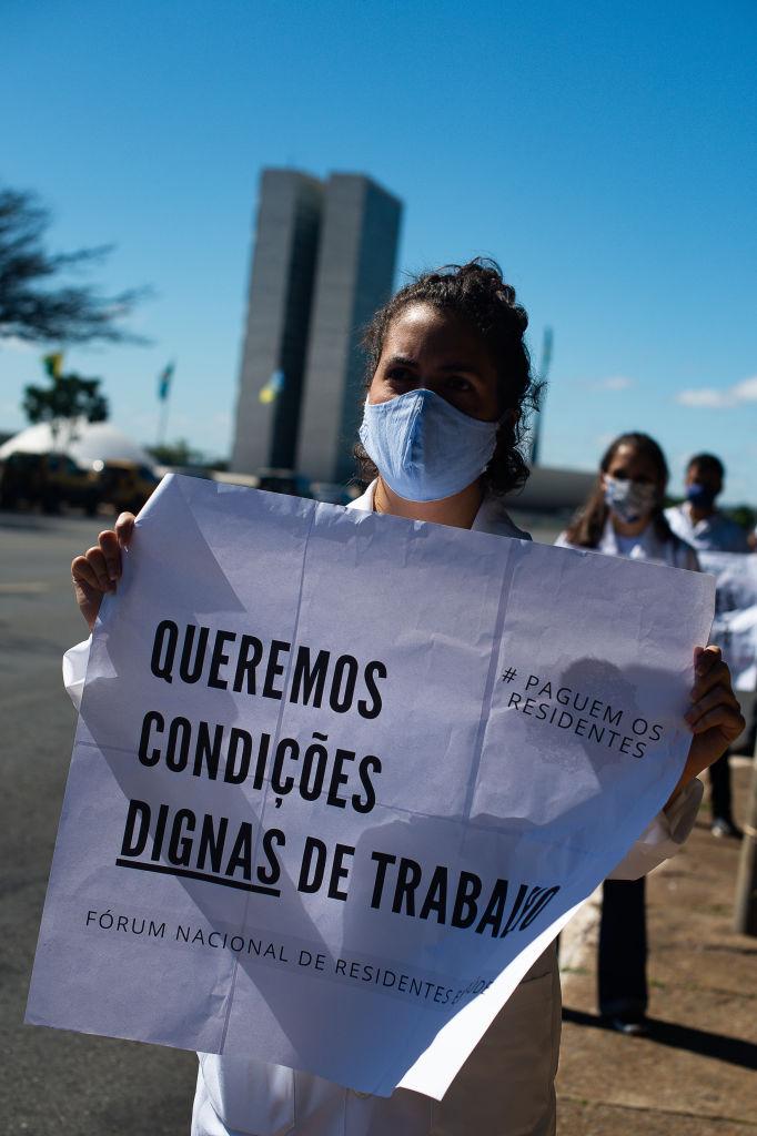 protesta-médicos-residentes-brasil