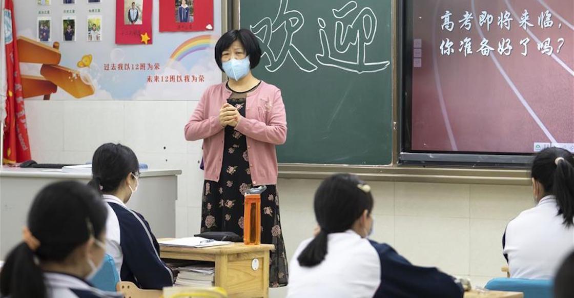 wuhan-china-clases-regreso-estudiantes-escuela-coronavirus-covid-pandemia-como-fotos-video-07