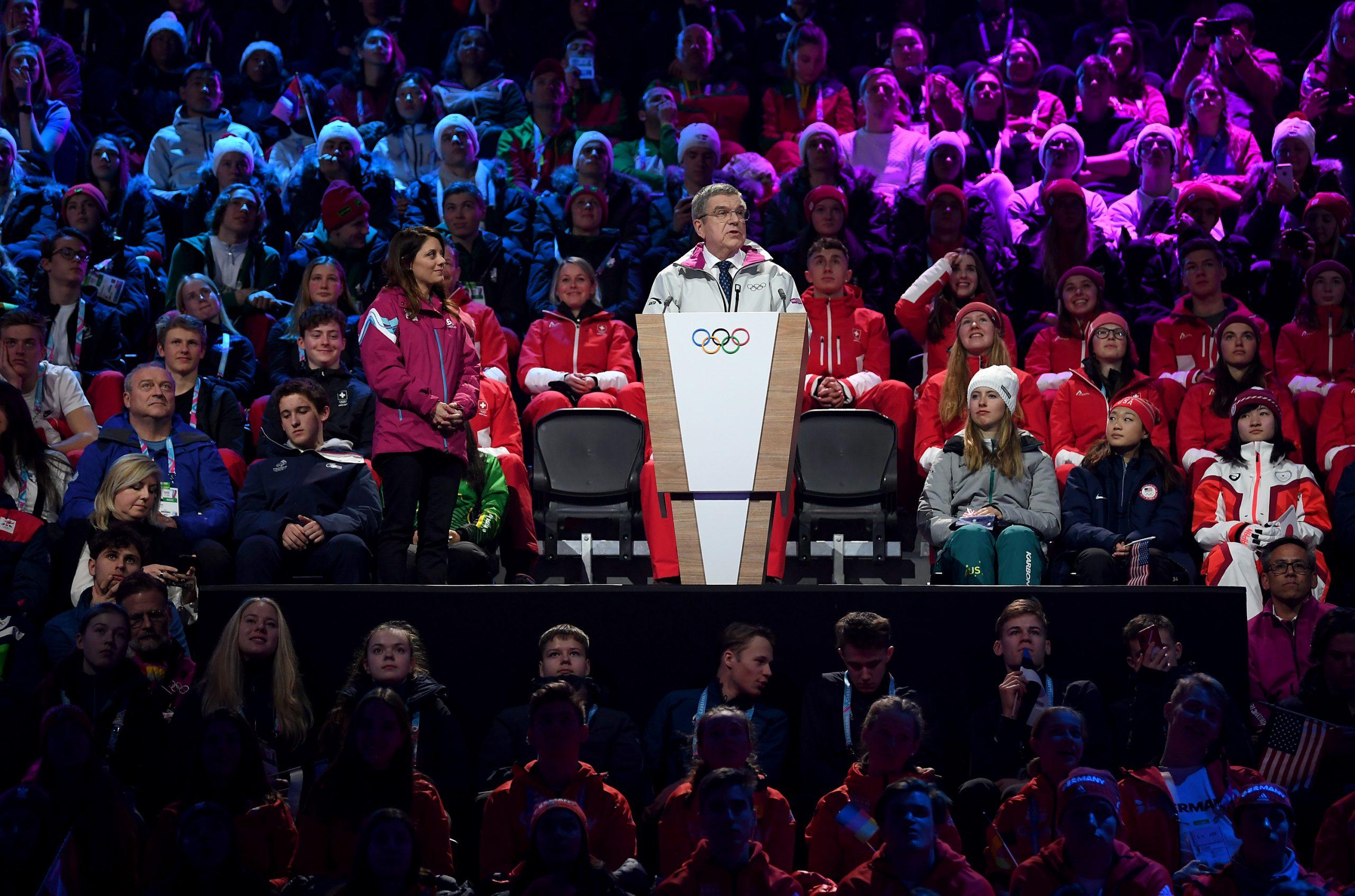 Comité Olímpico Internacional permitirá a los atletas manifestaciones en Tokio