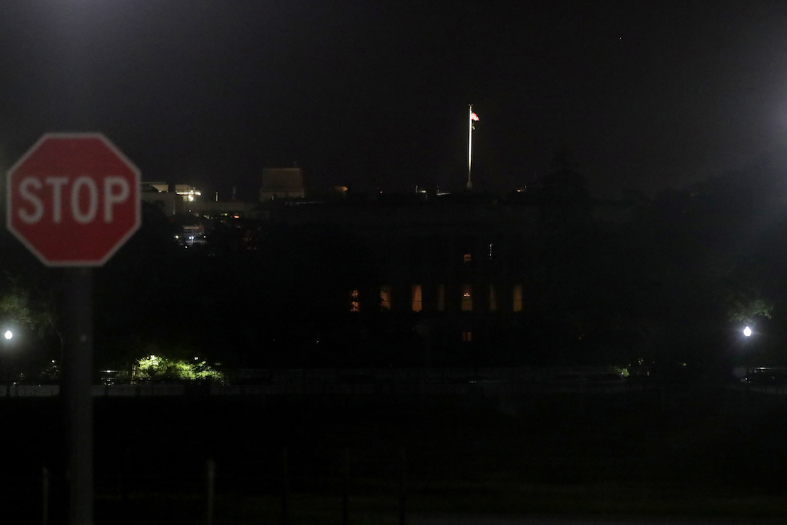 casa-blanca-apaga-luces-george-floyd-manifestacion
