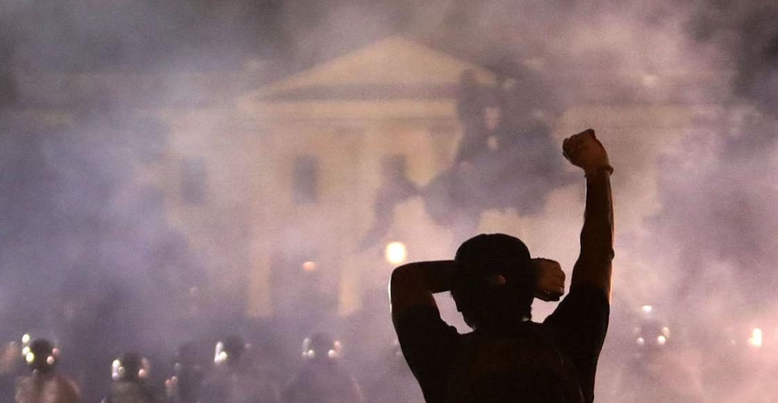 White House lights off George Floyd