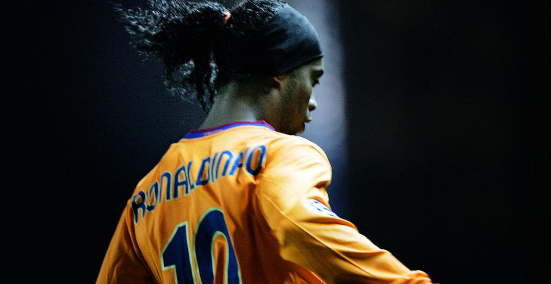juNadie lo puede odiar: Ronaldinho, la 'sonrisa del futbol' que nos enseñó el arte de la magiagadores-nadie-puede-odiar-ronaldinho-magia-joga-bonito-goles-titulos