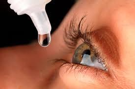 Esto es lo que tienes que hacer si te frotas los ojos con las 'manos sucias'