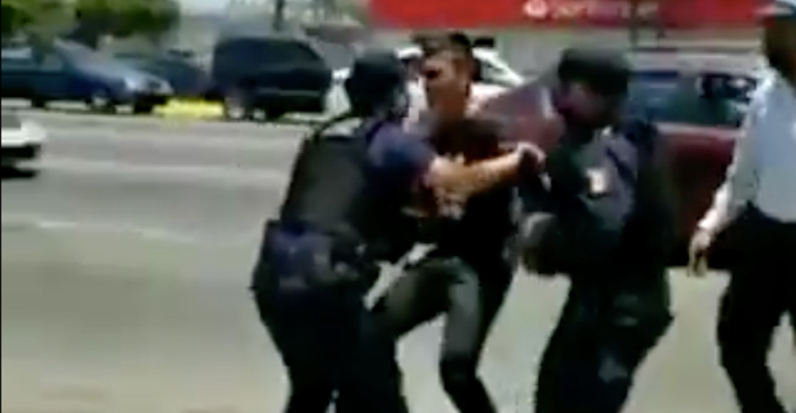 joven-detenido-ensenada-policias