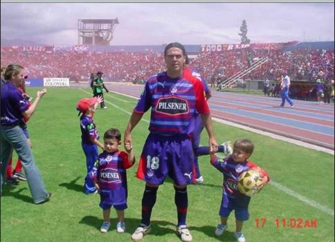 Tobías Romero, el hermano mellizo del 'Messi Mexicano' que es portero