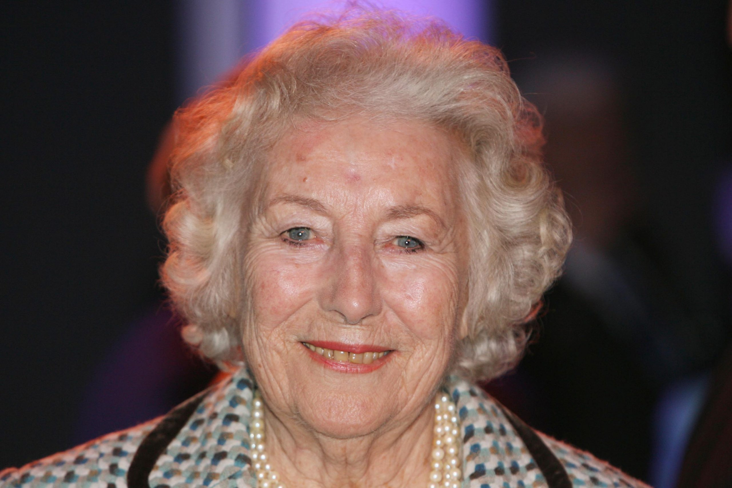 Vera Lynn, the singer who motivated troops in World War II, died at 103