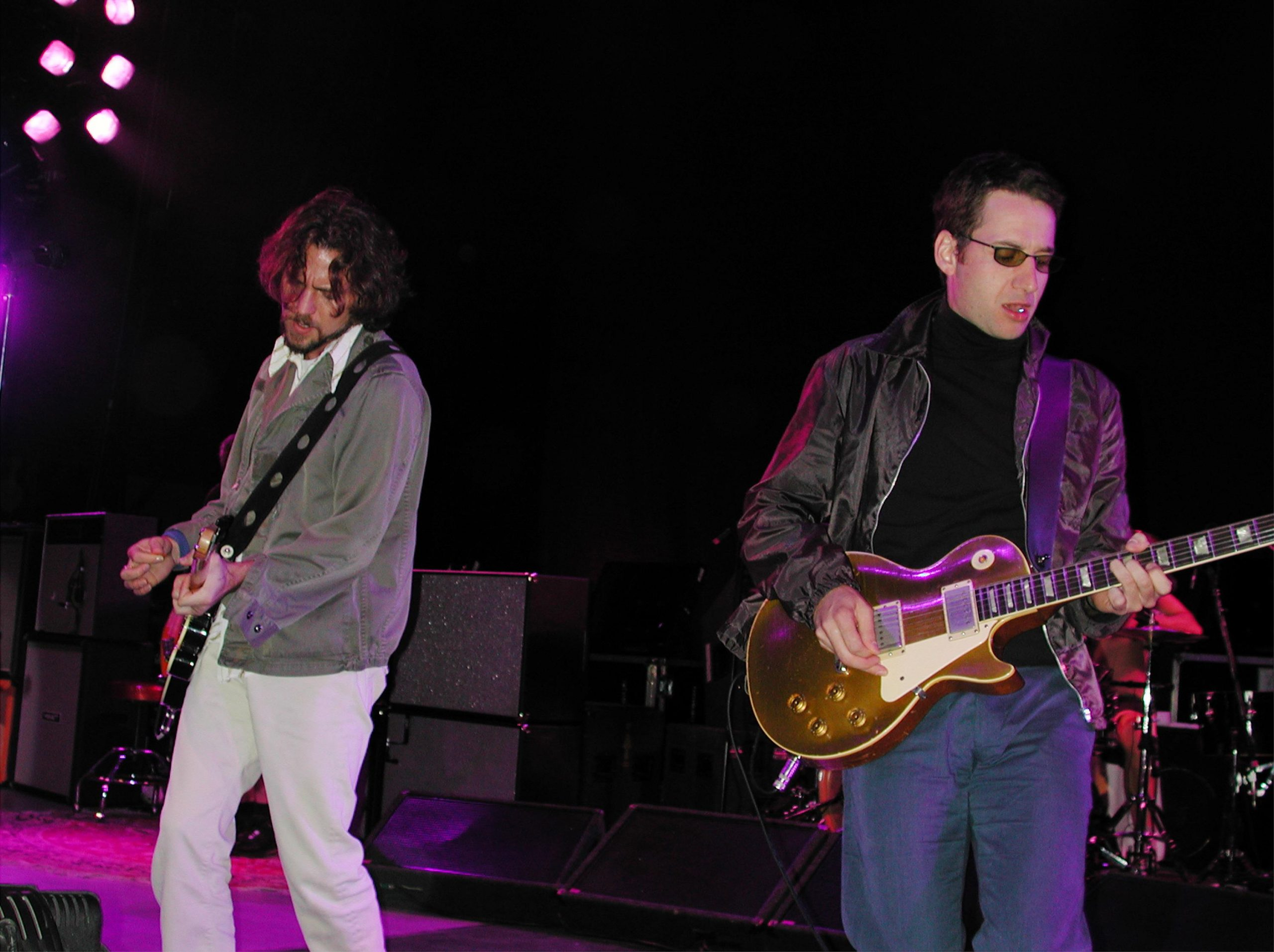 Pearl Jam recuerda a las víctimas del festival Roskilde del 2000